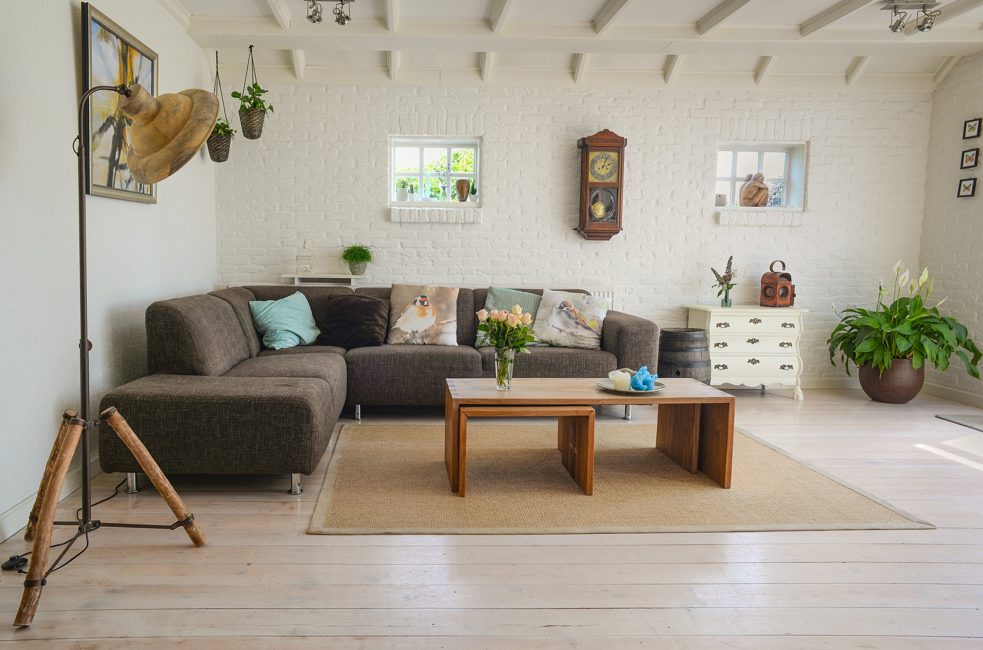 Former Match Executive Battles IKEA with Online Furniture Business