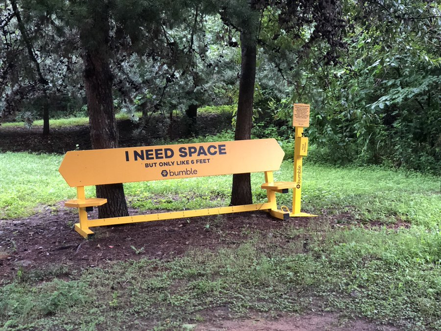 Bumble Installs 'Socially-Distanced' Benches in Bangalore and Goa
